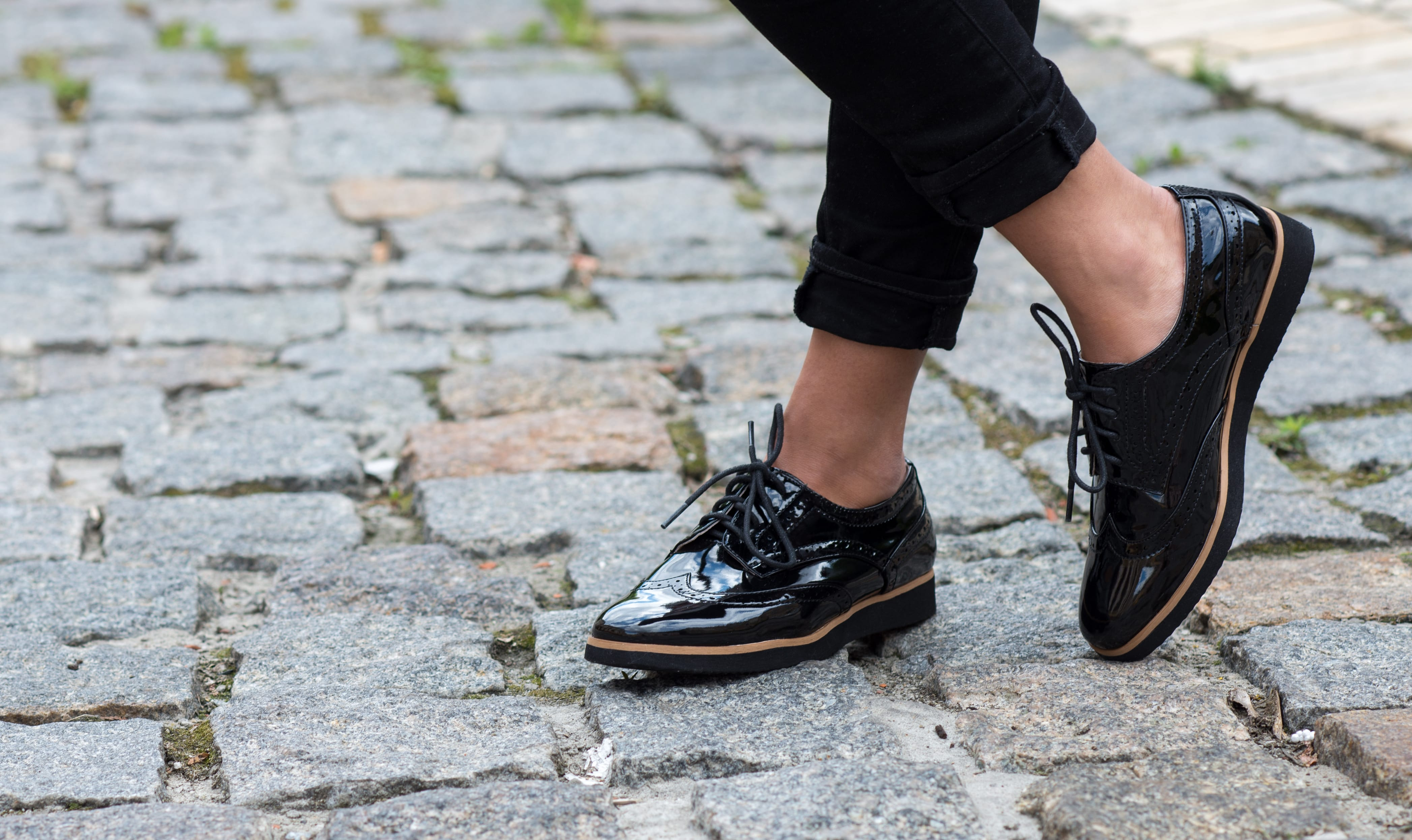Find Comfort Style & Elegance with These Three Shoe Brands-min
