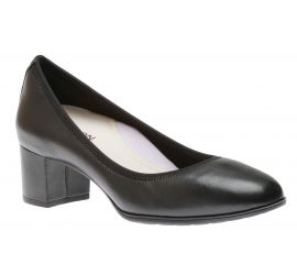 Career Black Leather Pump