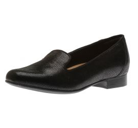 Un Blush Step Black Leather Loafer