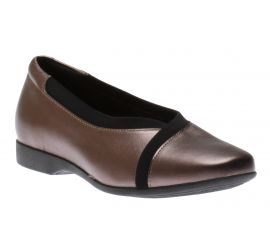 Un Darcey Ease Pebble Metallic Leather Flat