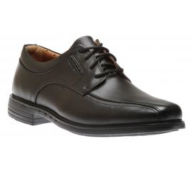 Un Kenneth Way Black Oxfords
