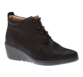 Un Tallara Eva Black Nubuck Ankle Boot