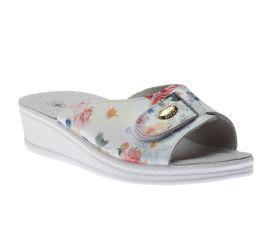 Sandal White Flower