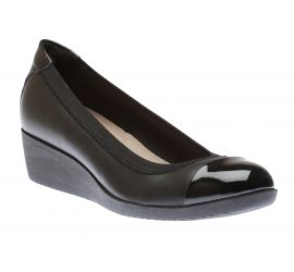 Buy Clarks Womens \u0026 Mens Shoes