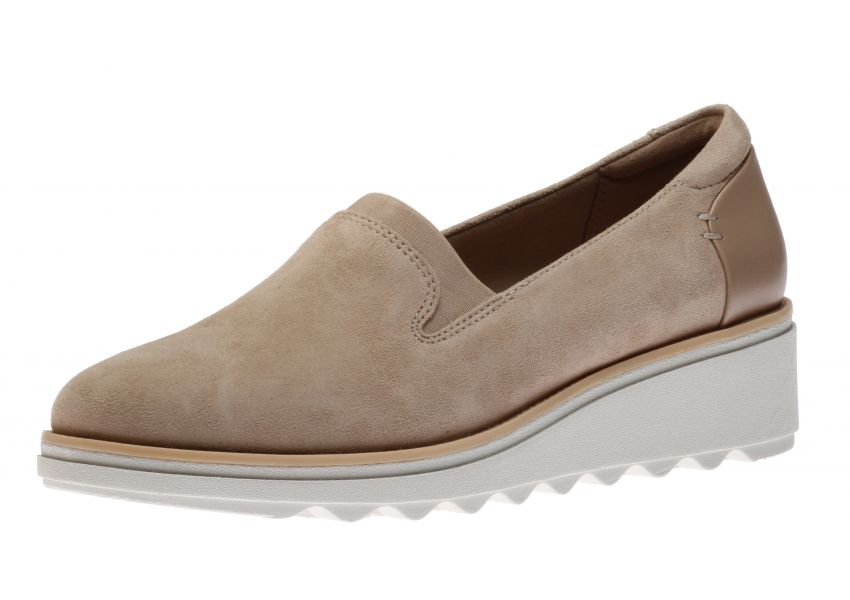 Clarks Sharon Dolly Sand   Walking On A